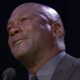 マイケル・ジョーダンがコービーの追悼式典で涙。最高の「兄」になろうとしたと語る