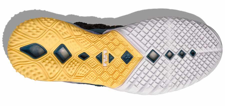 Nike LeBron 18 Reflections Outsole