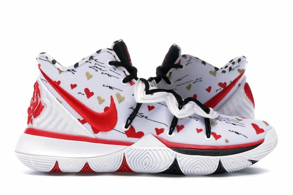 kyrie-5-sneaker-room-mom-white